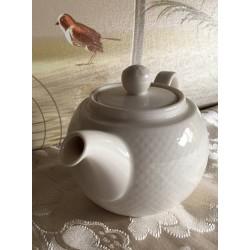 Teekanne weiß aus Porzellan von Villeroy & Boch