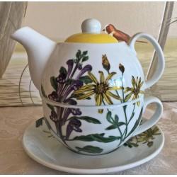 Tea for One mit Blumen Motiven auf weißer Kanne mit gelbem Deckel